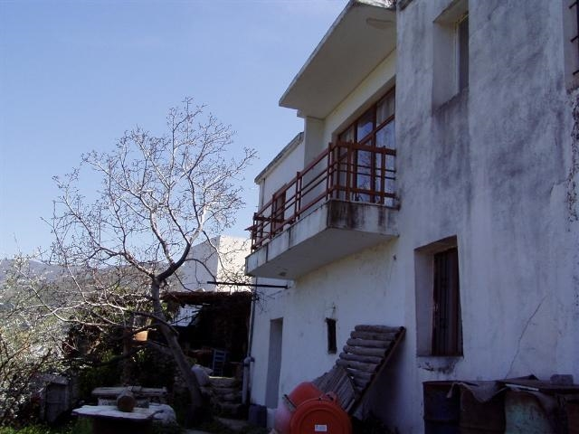 Habitable Cretan home for sale and restoration