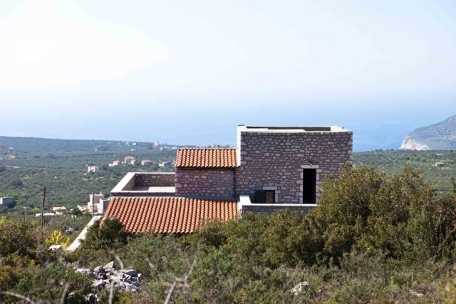 Traditional stone built villa - tower of 244m2 for sale in Mani, Messinia