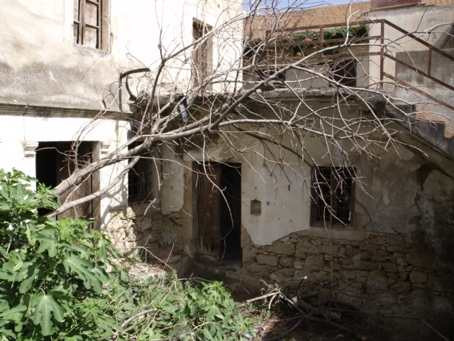 Cretan house for sale and renovation