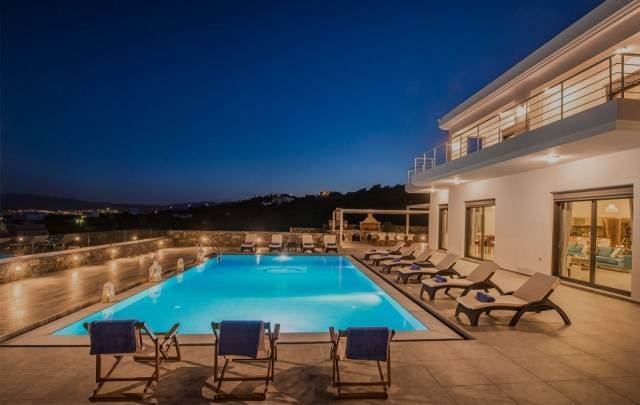 Luxurious villa of 307m2 with panoramic views in Agios Nikolaos