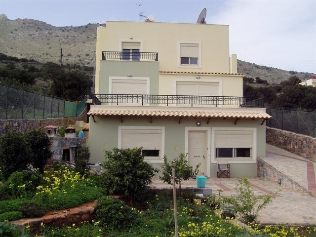 Very private Crete Villa plus guest house for sale