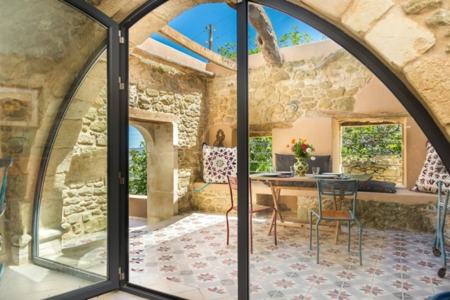 Stone house for sale in near Sitia