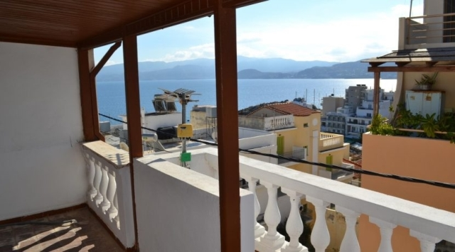 Four storey building apartment for sale in the town with sea views