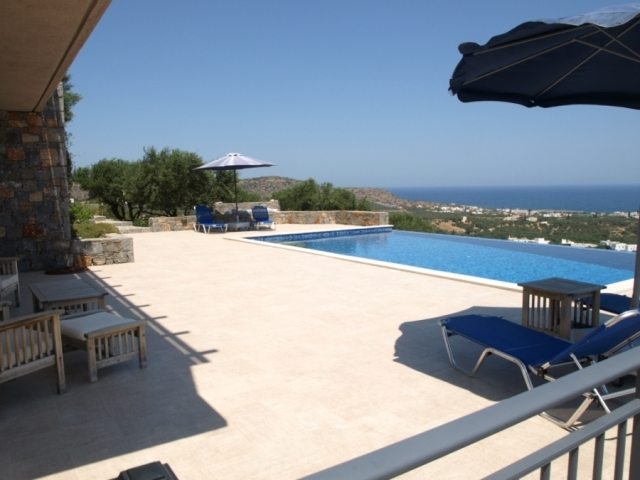 Villa for sale in Milatos with sea and countryside views