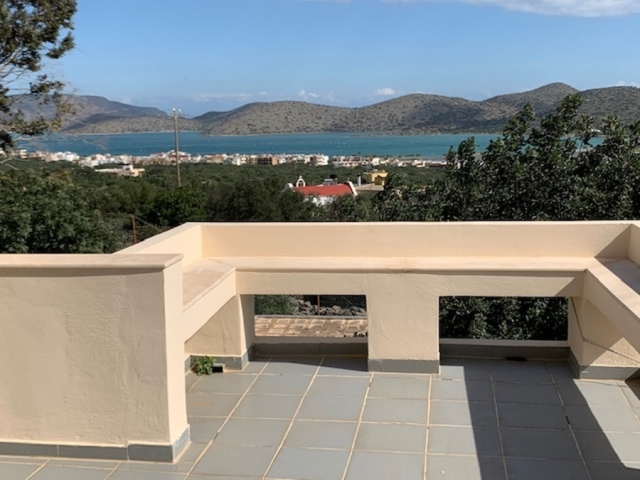 Detached house for sale close to the sea in Elounda