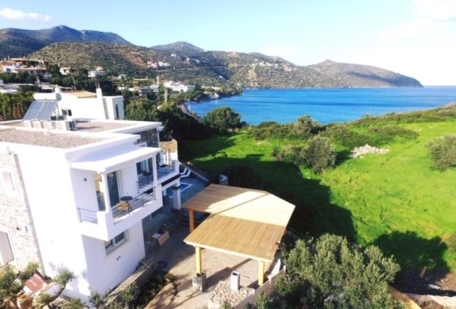 Luxury furnished villa of 300m2 for sale in Agios Nikolaos