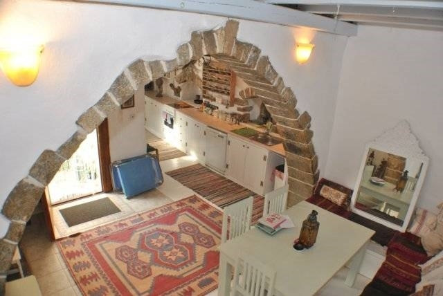 Renovated traditional house for sale in a beautiful settlement