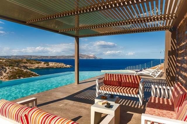 Luxury Villa for rent close to Chania