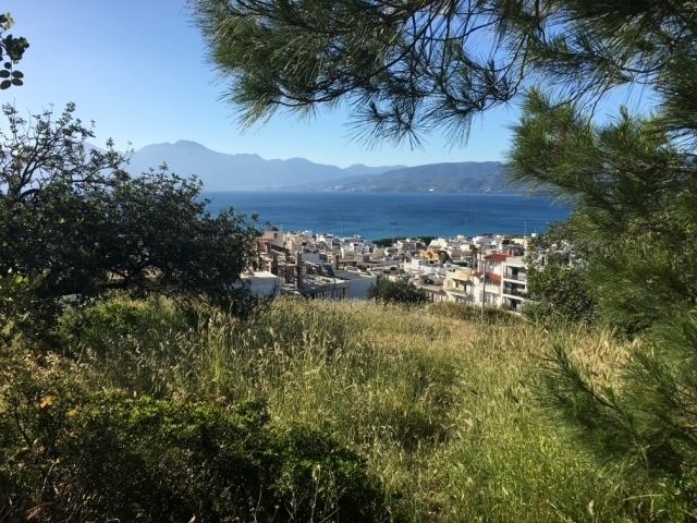 Angular plot of 669m2 for sale in Aghios Nikolaos