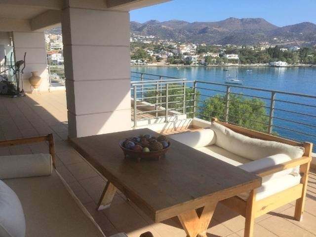 Apartment for rent in the town of Aghios Nikolaos.