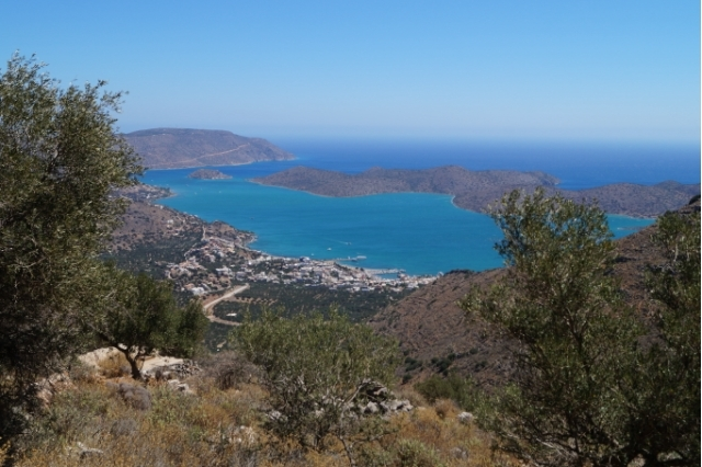 Α land plot of 10.000m2 for sale to Elounda