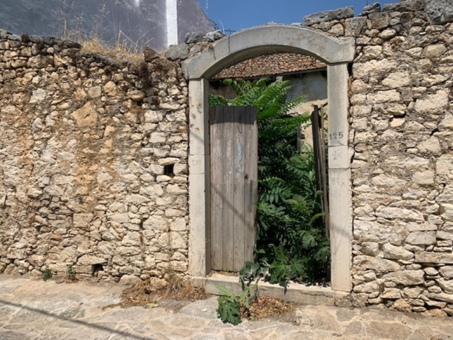 Old stone house for sale in the settlement of Fourni, Eastern Crete
