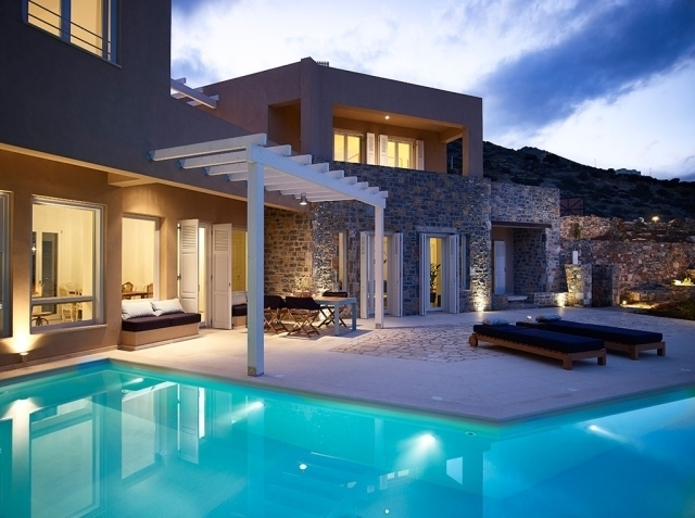 Exclusive 6 bedroom villa for rent in Elounda