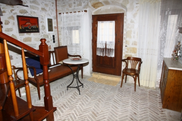 Traditional house of 50m2 for sale in a graphic village of Heraklion