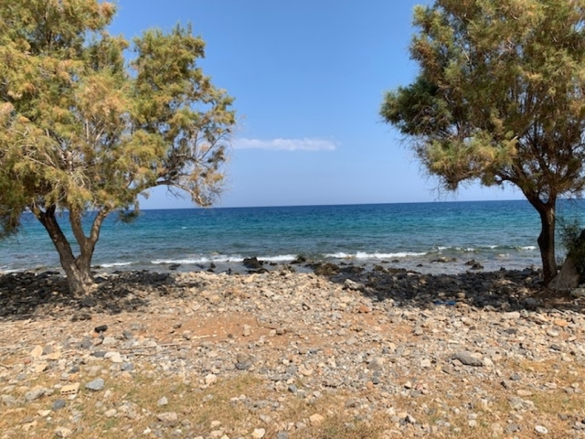 A seafront land plot of 3.404m2 for sale in Milatos