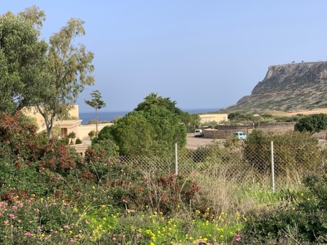 Plot of 1451m2 with sea views in Milatos