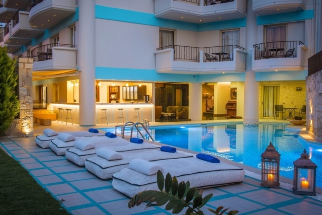 Wonderful hotel for sale central of Chersonissos in Heraklion