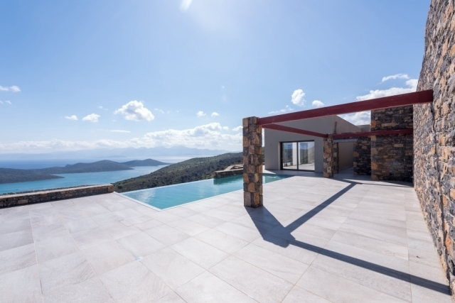 New built luxurious villa of 274m2 offers magnificent views to Elounda bay