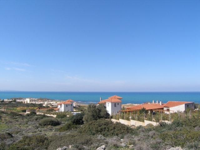 Building plot of 16.000m2 near the village of Sissi and the beach