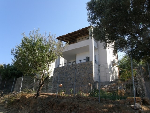 Detached house of 120m2 is for sale in the picturesque city of Aghios Nikolaos