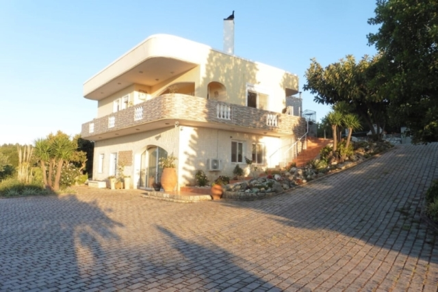 Beautiful villa for sale in Vamos, Chania