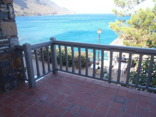 Seafront private house of 120m2 for sale in Elounda