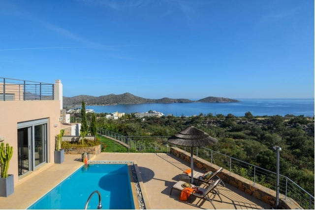 Α 2 bed Crete stone villa for rent in Elounda
